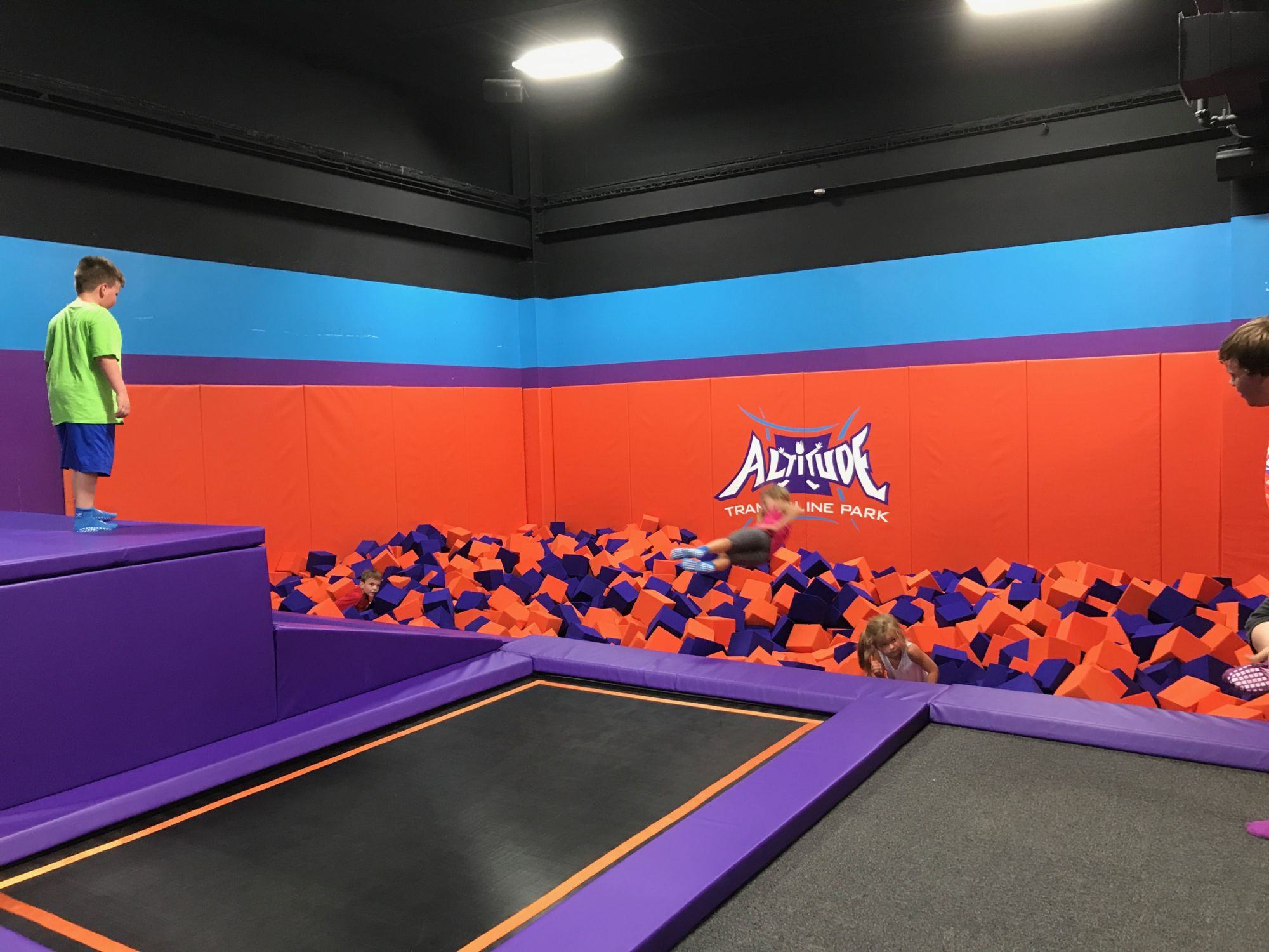 kids trampoline party